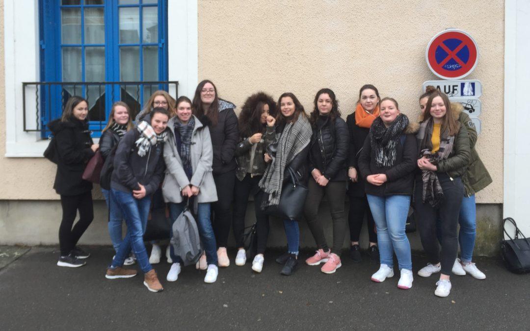 01-02-2018 : Visite à la Maison Bleue par les élèves d'ASSP